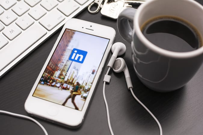Quick Tips to Get Noticed on LinkedIn