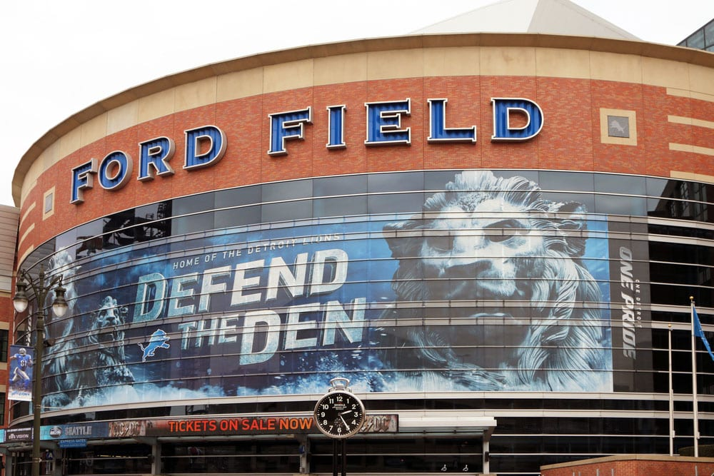 Weekend Roundup: An NFL Team Learns What Is and Isn't in a Standard Background Check and More